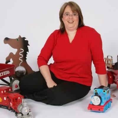 RPT: 2 Mara Kaplan 50 toys in 50 days